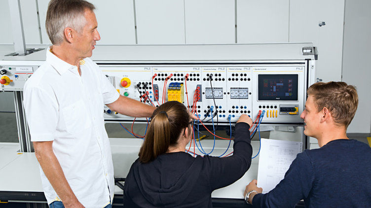 Pilz Education Systems (PES)