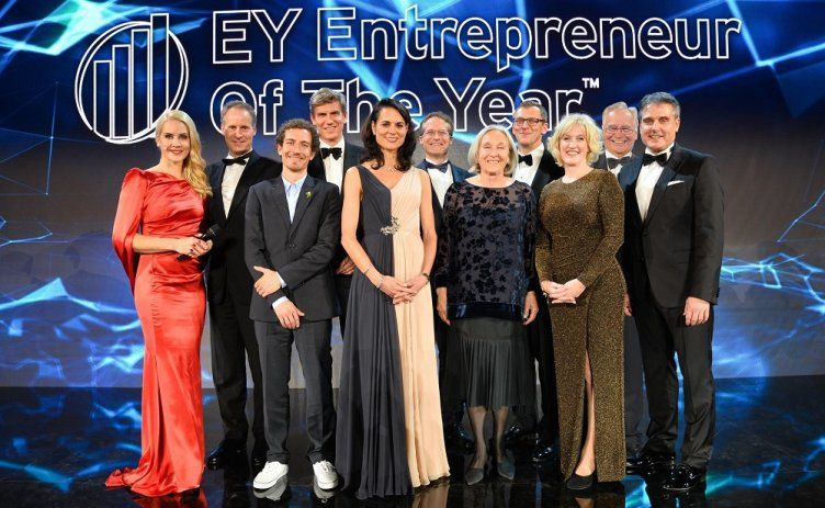 "Vincitore del concorso ""EY Entrepreneur Of The Year"""