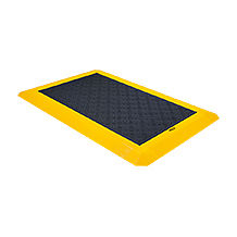 The pressure-sensitive safety mat PSENmat from Pilz combines safe area monitoring with machine operation.