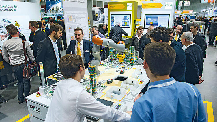 Experience human-robot collaboration at the Hannover Messe
