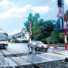 F_Press_A_railway_railroad_crossing_RGS_Aargau_P1000941_cold1_2018_07