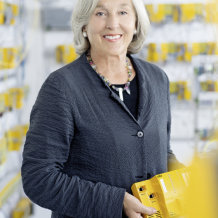 At the end of 2017, Chair of the Board Renate Pilz will leave the operational side of the business and hand the management of the family business completely over to her daughter Susanne Kunschert and son Thomas Pilz.